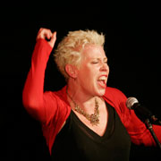 HAZEL-O'CONNOR-PIc-by-MICHAEL-PURSSORD